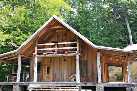 Nature Lover's Retreat on the River - Asheboro - Hytte