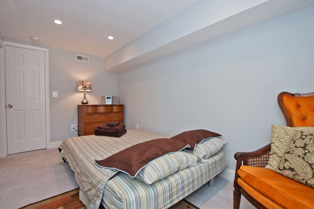 Bedroom with private bath, entrance
