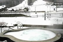 Outdoor Jacuzzi across from slopes