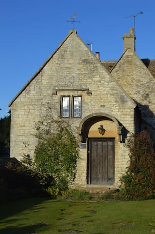 The Billiard Room, Biddestone, Wiltshire, SN14 7DG