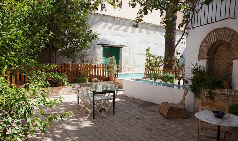 La casa de Mercedes.Jardin-piscina - Gines