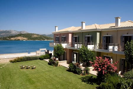 Seafront ThalassaMare  villas - Lefkas - Villa