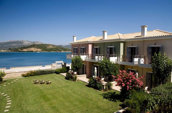 Seafront ThalassaMare  villas