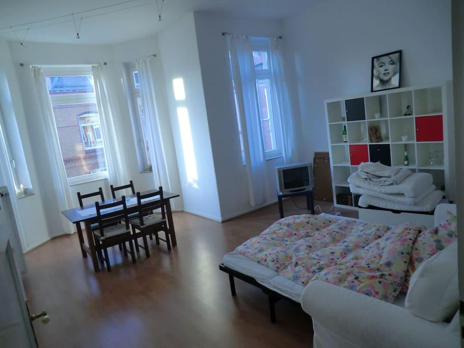 gro e 3 zimmer wohn hannover city wohnungen zur miete in hannover niedersachsen deutschland. Black Bedroom Furniture Sets. Home Design Ideas