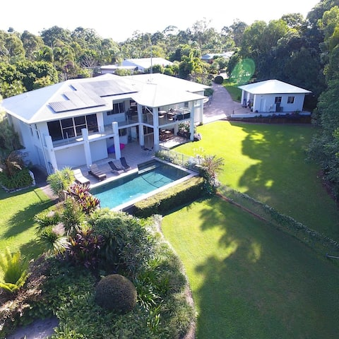 Luxurious studio with HOT TUB in Noosa Hinterland