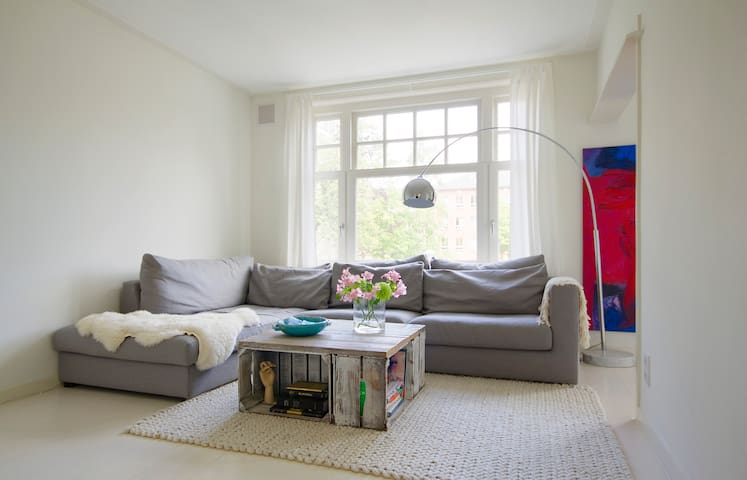Light flooded & cozy Apartment, a 2nd Home Abroad