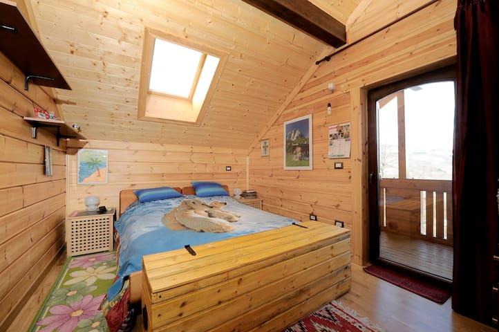 Baita in legno su colline bolognesi - San Benedetto Val di Sambro - Apartamento