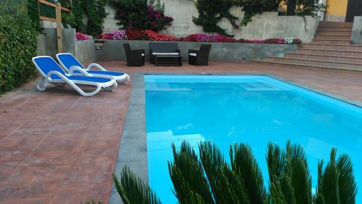 Nice house near Costa Brava 120m2. Sleep 7 person.