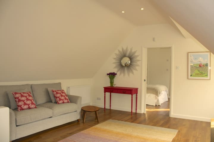The Barn - modern space in rural setting Sevenoaks