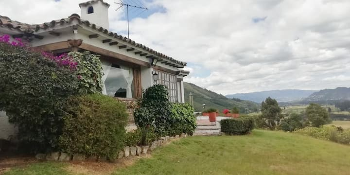 Amazing rural finca with mountain views & chimneys