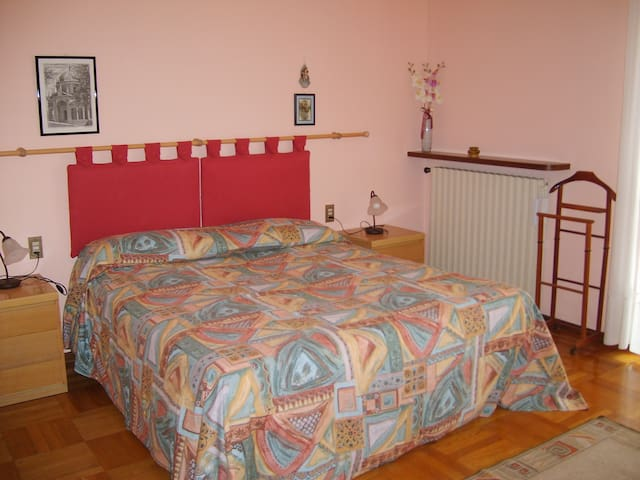 B&B ORCHIDEA - camera rosa - Busto Garolfo - Bed & Breakfast