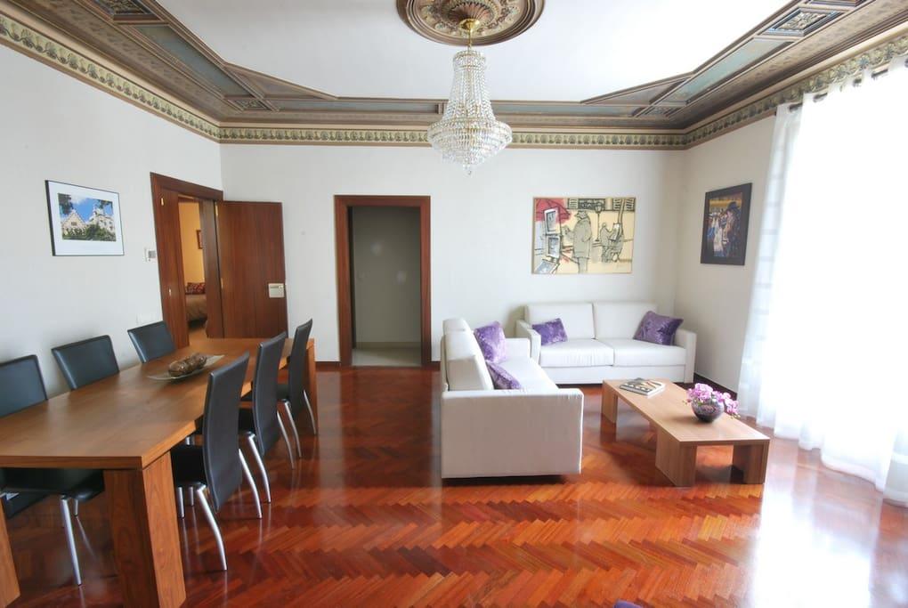 Incredibile nel centro della citt appartamenti in for Appartamenti barcellona affitto mensile