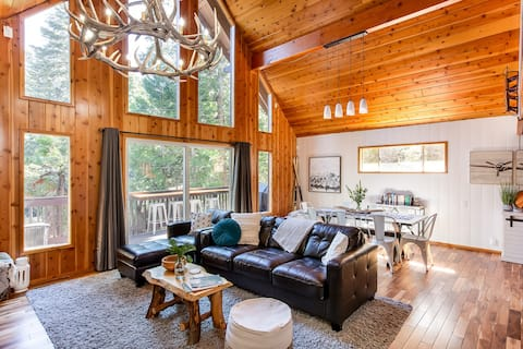 Modern, Comfy, Secluded Cabin : 5 Min to Village!