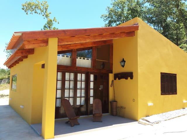 Casa com 2 quartos - 6 pax - Junto ao Rio Tâmega