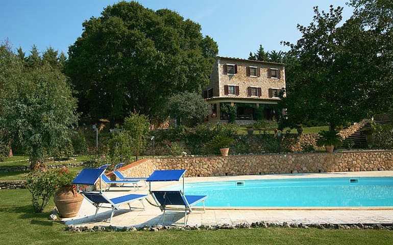 Villa with pool near Saturnia - Province of Grosseto - Villa