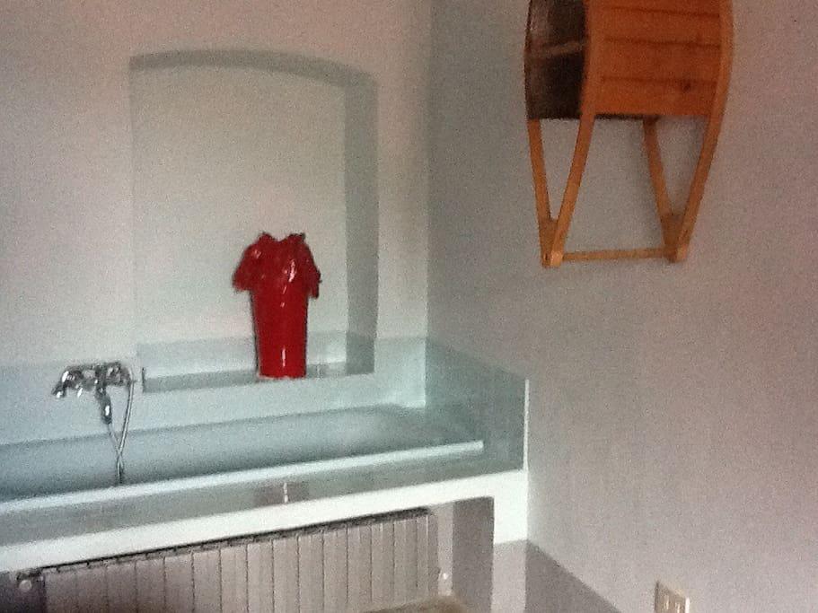 Bagno in camera da letto matrimoniale