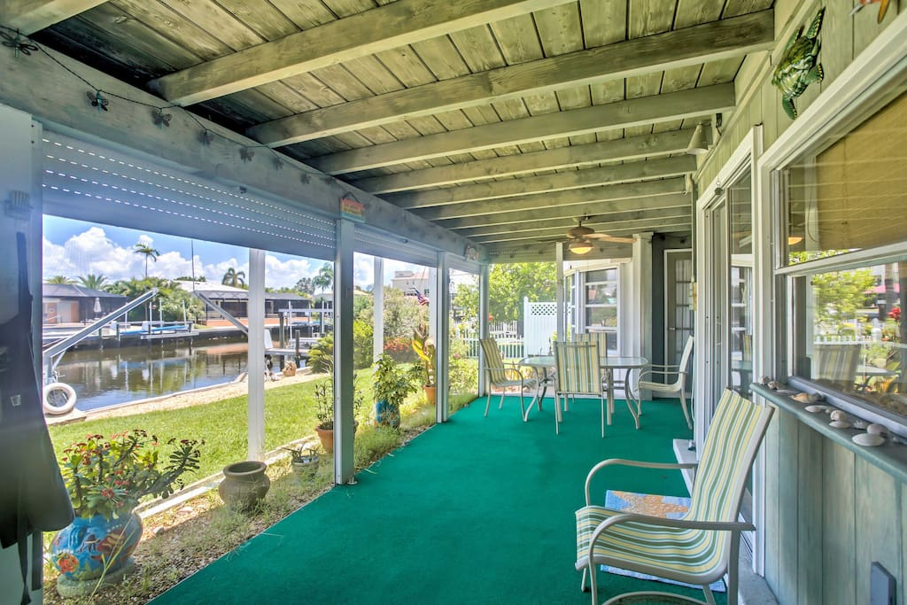 This 2- bedroom, 2-bath home backs up to a lovely canal and sleeps 4 guests.