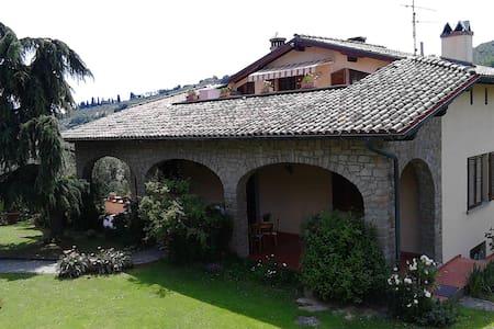 Villa nelle colline del Chianti - Poggio a Caiano - Villa