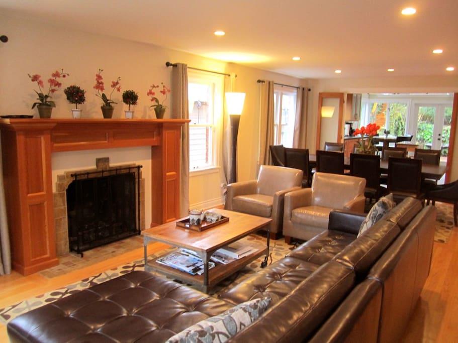 Large Luxury Lakeside Seattle Home Houses For Rent In Seattle Washington United States