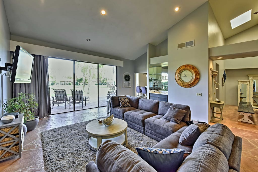 This home boasts 2,500 square feet of living space and room for 6 guests.