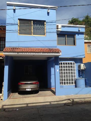1.5 blocks to the beach - Mazatlán - Ev