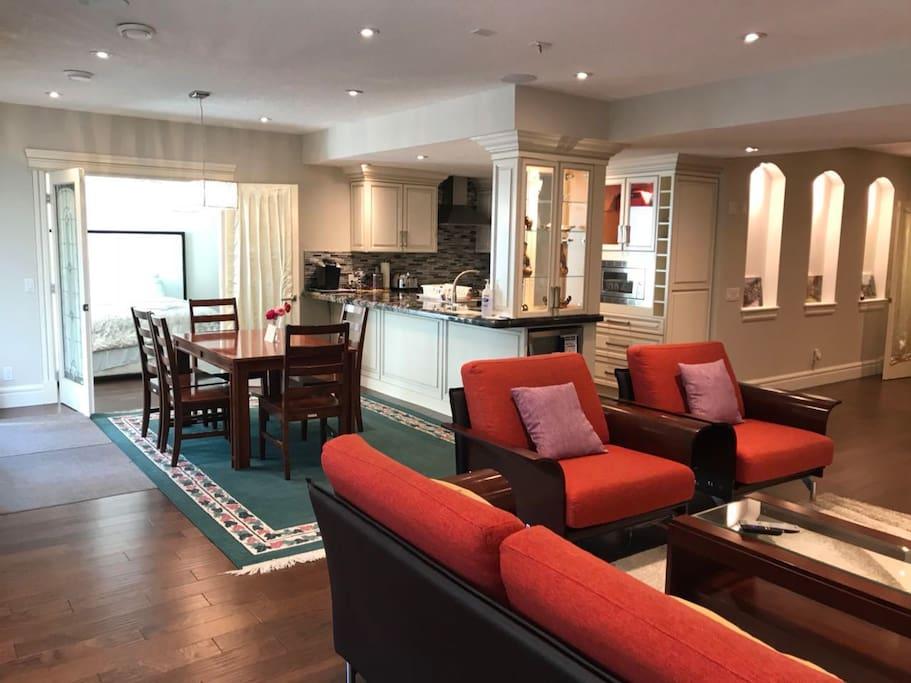 Big dinning & living room