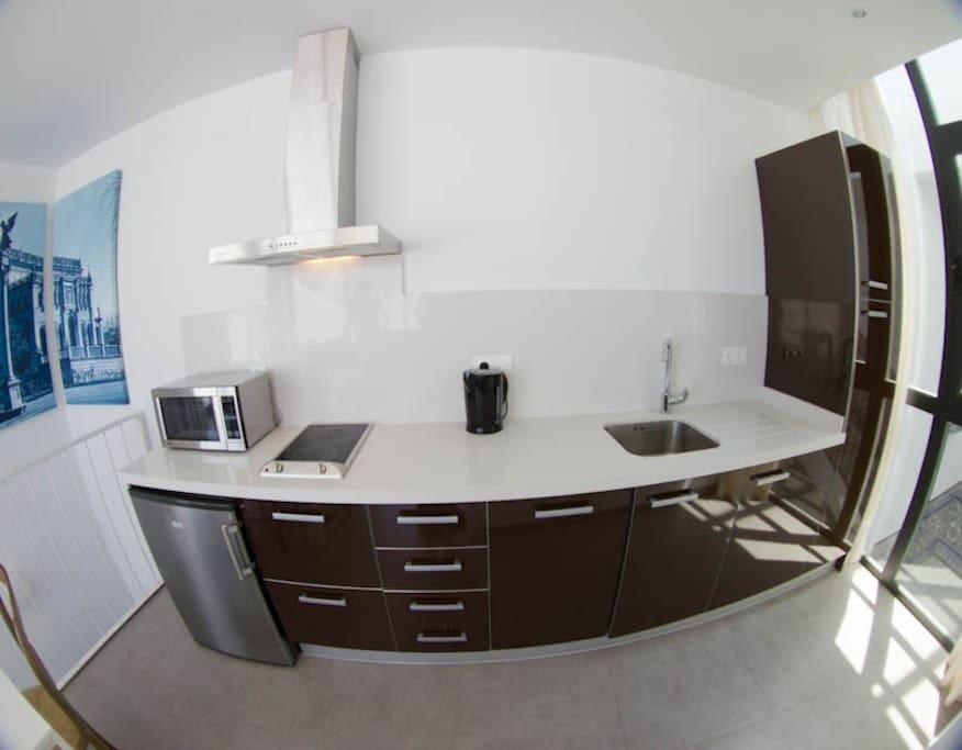 Cocina totalmente equipada con microondas y lavavajillas