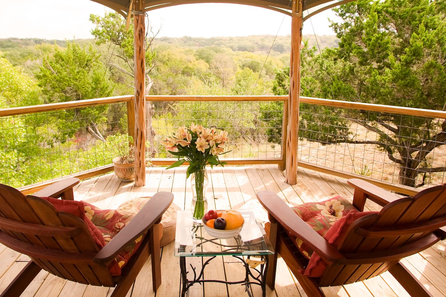 Welcome to Sinya on Lone Man Creek. A Safari-Inspired retreat in beautiful Texas Hill Country.