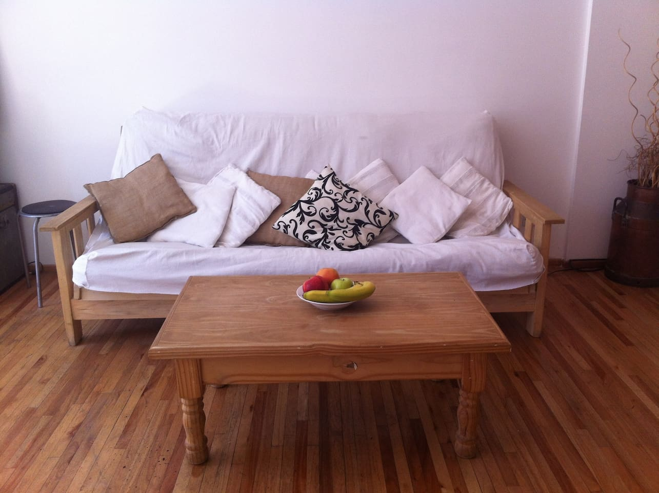 Very nice futon, where you can relax after a long walk in the city.