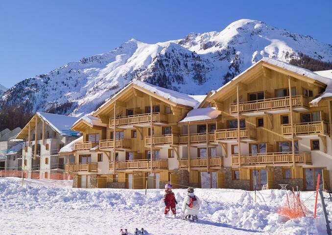 Départ et retour ski aux pieds ! Grand Appartement 7p