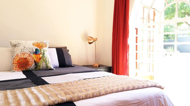 Sunny Hatfield Room | DSTV | Unlimited WIFI