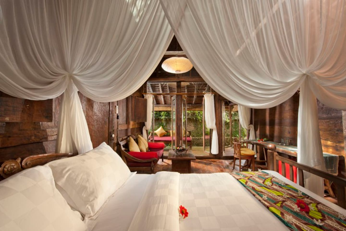 Palatial bed, fit for a Prince and his Princess