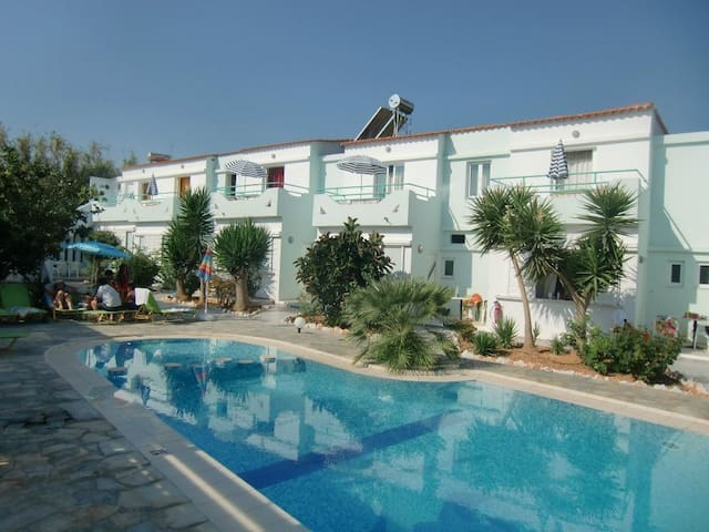 Seashell apartments for rent - Platanias