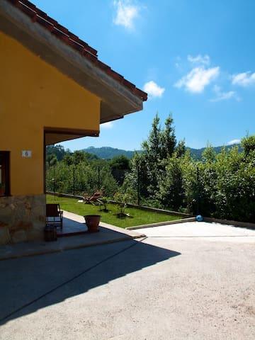 Vista del Valle - Infiesta Ñovales - House