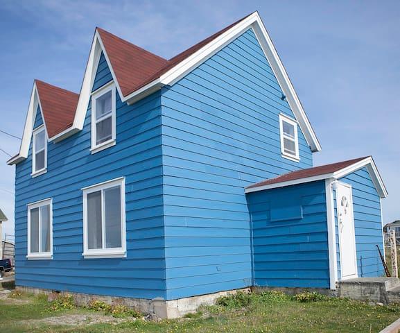 BonavistaNewfoundlandHamptonHouse - Bonavista - House