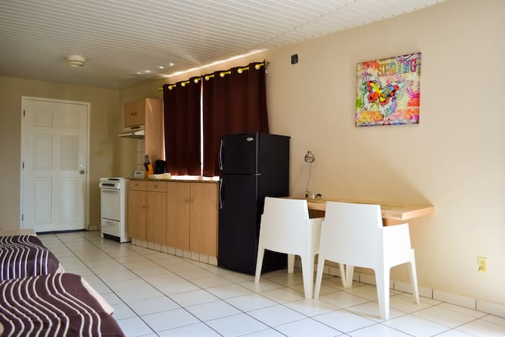 Dona CVlara Apartment # 1 - Oranjestad - Appartement