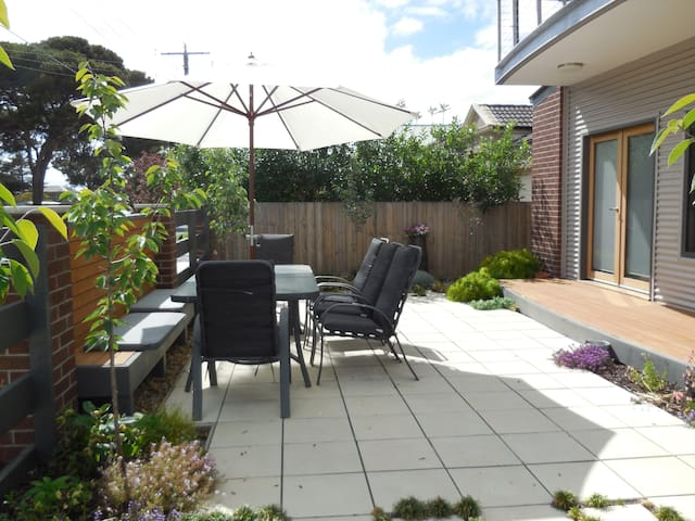 Privacy in lovely Rippleside   - North Geelong