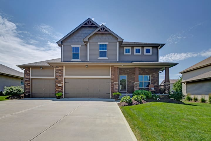 LARGE BEAUTIFUL HOME 5 BED/4 BATH - Omaha - Ev