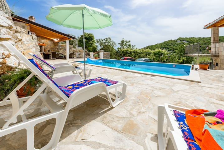 Villa with Terrace & Swimming Pool  - Cavtat - Villa