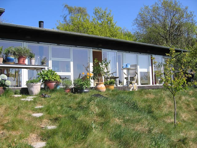 Holiday home with panoramic view - Knebel - Houten huisje