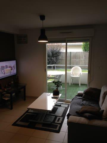 Appartement de 40m2 avec terrasse - Rion-des-Landes - Apartamento