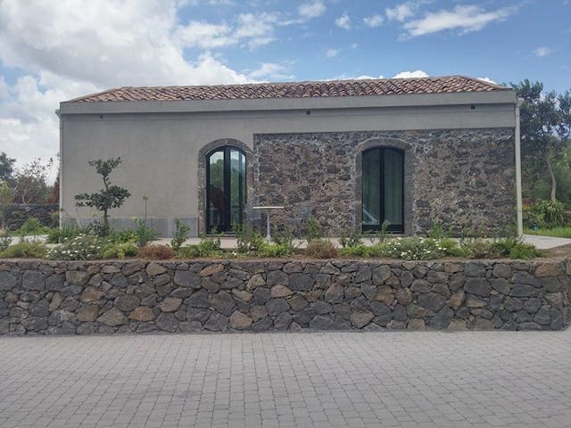 Talé Country house - Piedimonte Etneo
