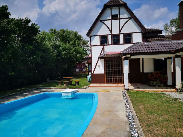 Villa Arissa With Private Pool