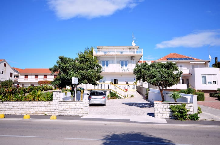 Apartment Mara (11171-A4) - Vodice - Apartament