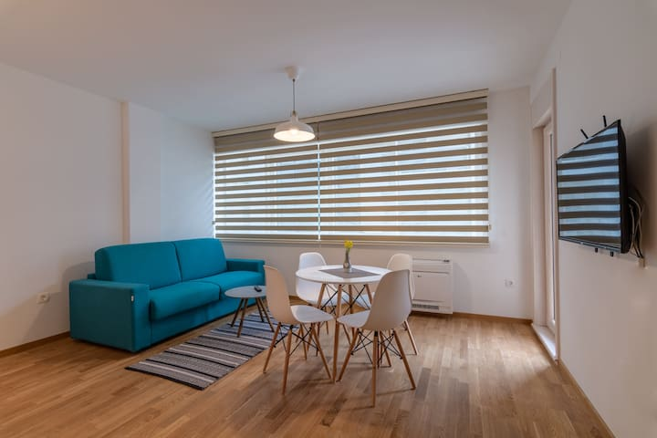 Supreme Seaside Apartment Budva