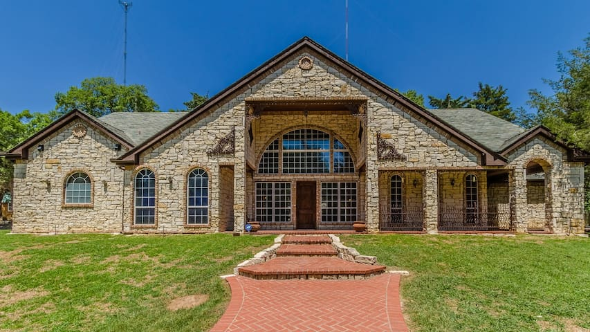 Your own secluded 22 acre private estate in the heart of DFW!