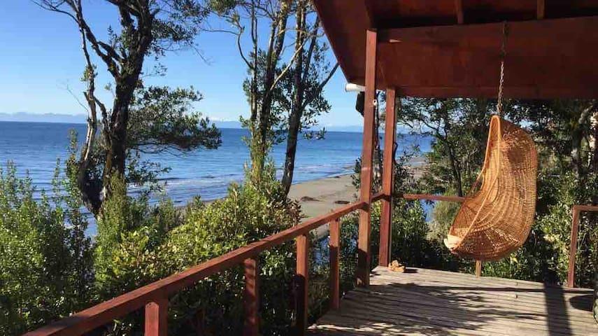 Cabaña Orilla Playa, Lelbun, Queilen,  Isla Chiloe
