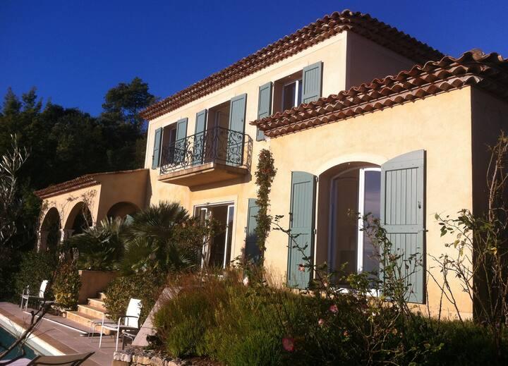 Villa de charme vue mer panoramique sur Cannes