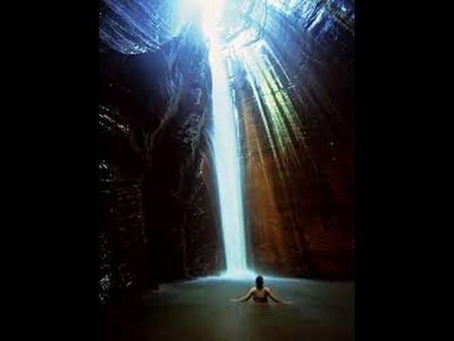 Cachoeira Santuário- Pedra Caída