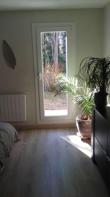 Chambre double avec acces jardin